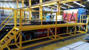 Loading Safety Platforms Trailers Amp Rigids